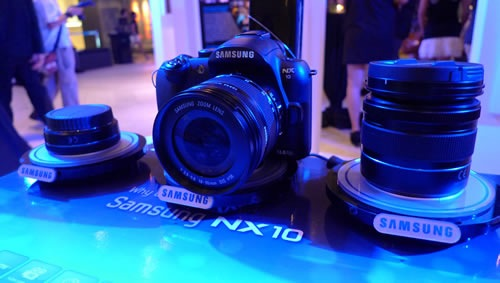 Samsung launches NX10 DSLR camera in Rockwell photo exhibit