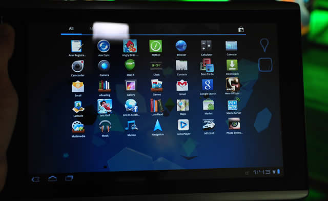 Acer showcased Honeycomb-powered Iconia A500 tablet
