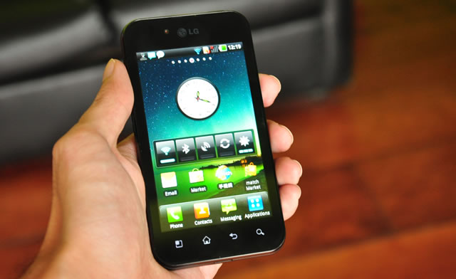 LG Optimus Black Review, once you go black…