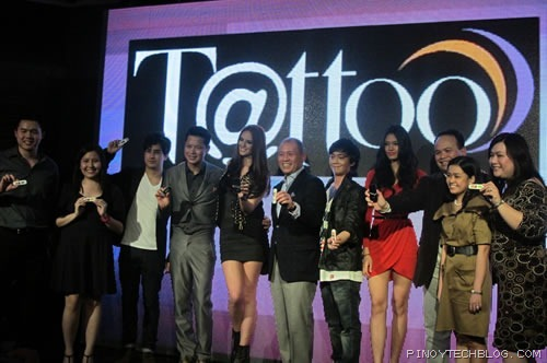 Globe's Management with the brand ambassadors for a photo op.