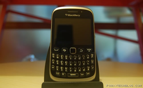 BlackBerry Curve 9320 01