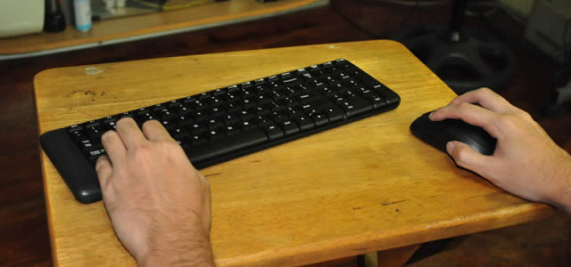 Logitech Wireless Combo MK220 Review, wireless peripherals on a budget