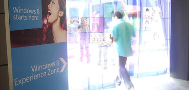 Microsoft Launches Windows 8 in Singapore