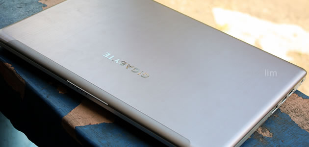 Gigabyte U2442N Ultrabook Review