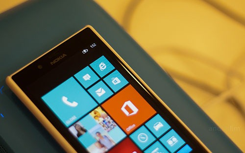 Nokia-Lumia-720-wireless-charging