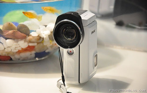Sony-HDR-GWP88-with-wide-angle-lens