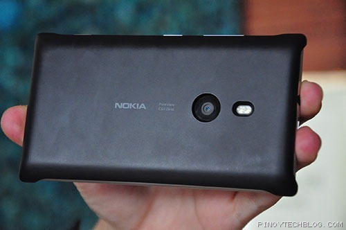 Nokia-Lumia-925-wireless-charging-case
