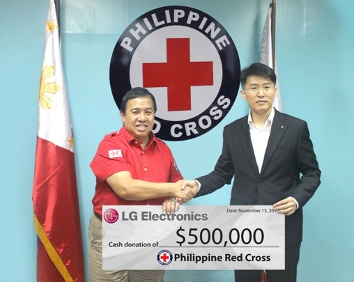 LG donates $500,000 to Red Cross PH to aid Yolanda victims, will install solar panels too