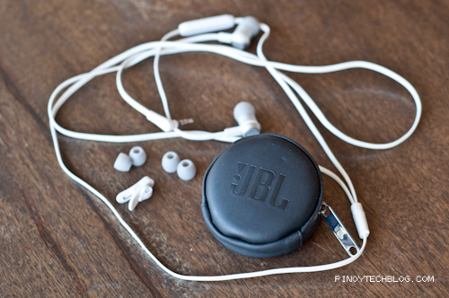 JBL Synchros S100a In Ear Headphone Review