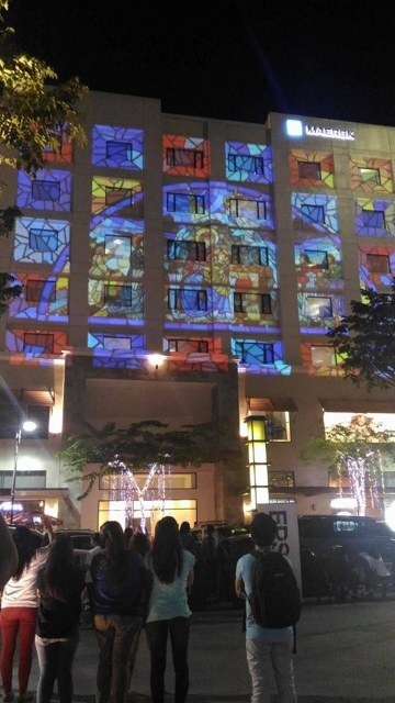 Epson Spectacular Christmas Celebration 3D Projection Mapping Show (1)