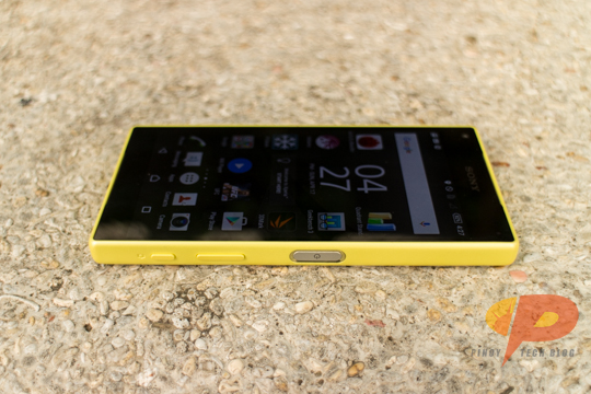 Sony Xperia Z5 Compact Sides