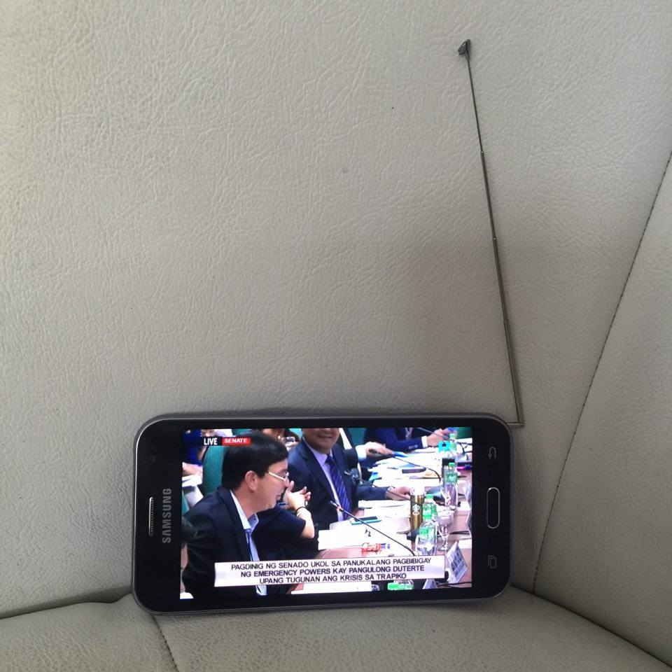 how to connect samsung j2 to tv