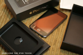 Unboxing iPod Touch