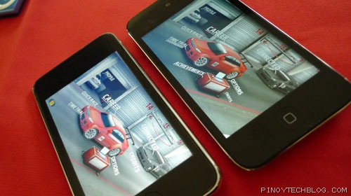 iPod Touch 2G (left), iPod Touch 4G (right)