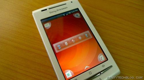 Sony Ericsson Xperia X8 one widget per screen