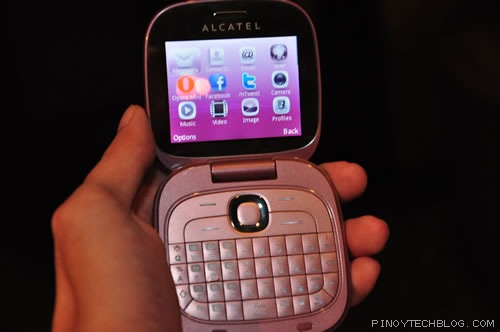 Alcatel Glam 810d Literally A Compact Phone Pinoy Tech
