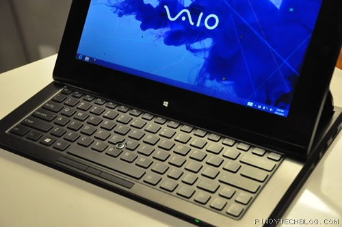 Sony VAIO Duo 11 open