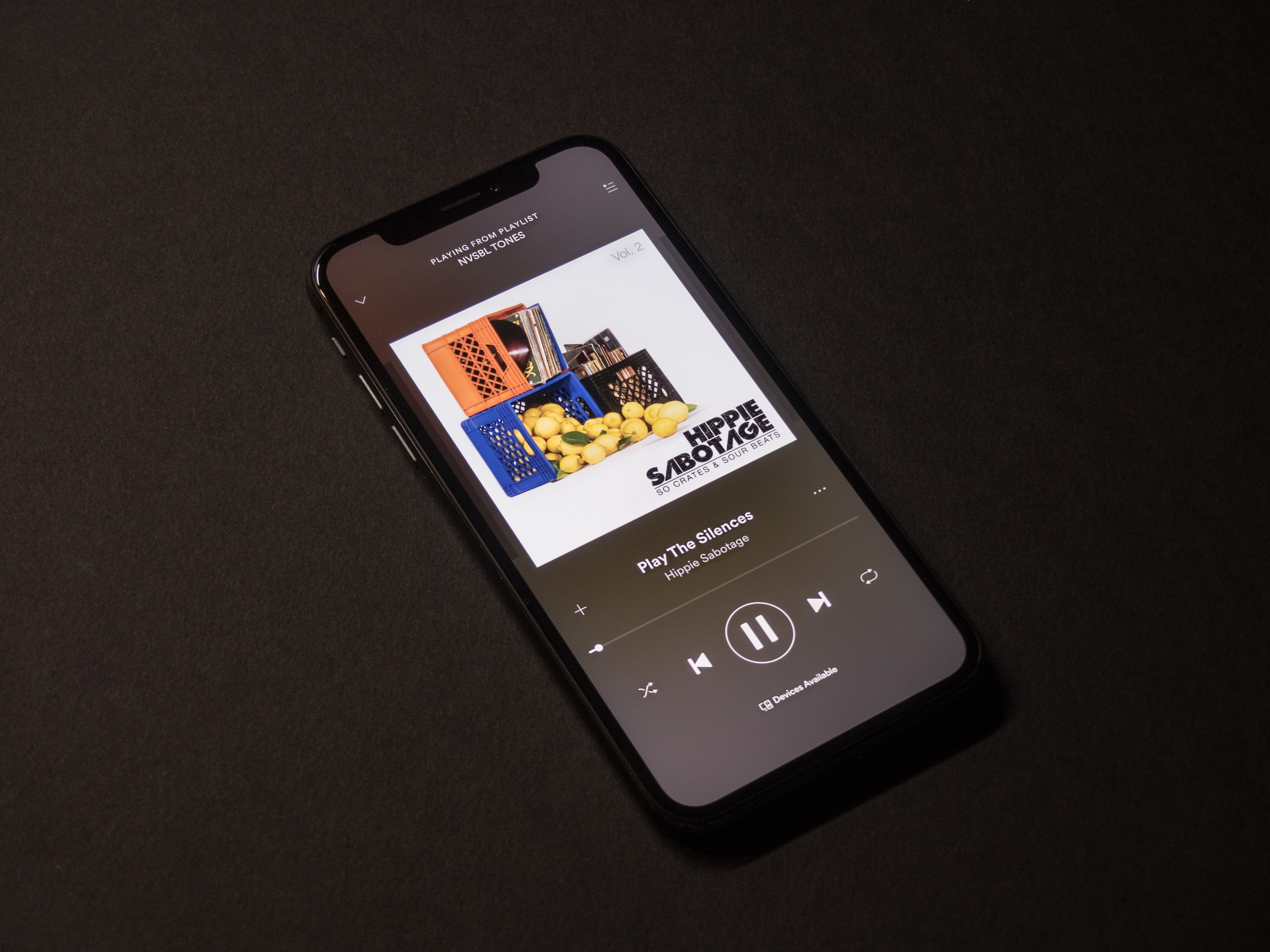 Spotify blocks pirated versions of its premium streaming