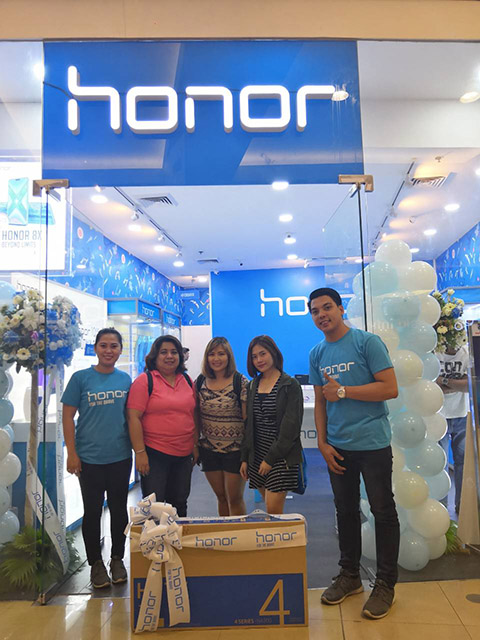 Honor 8X News and First Shop in SM North EDSA - PinoyTechBlog